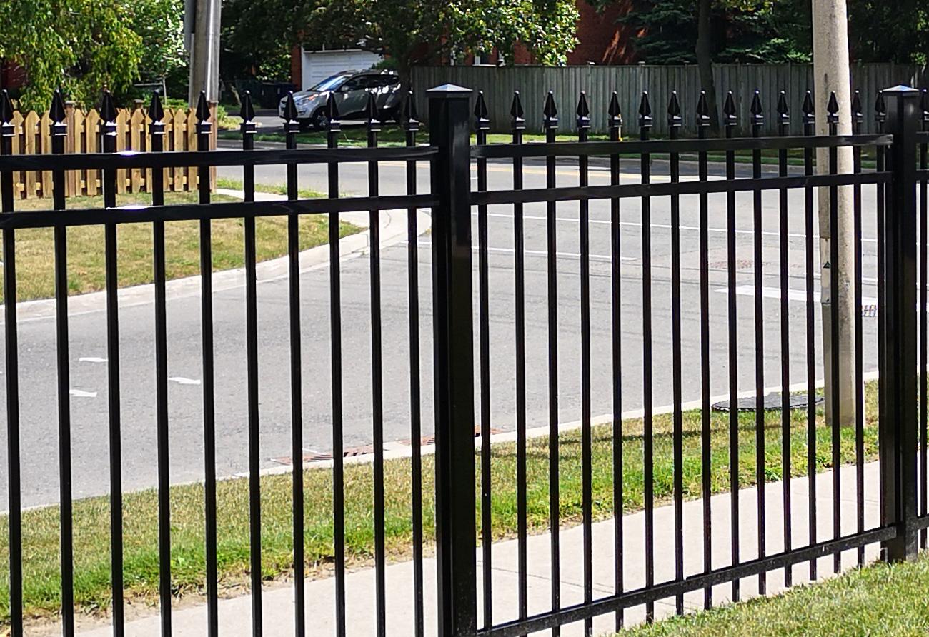 F2 fencing black 3x3 post