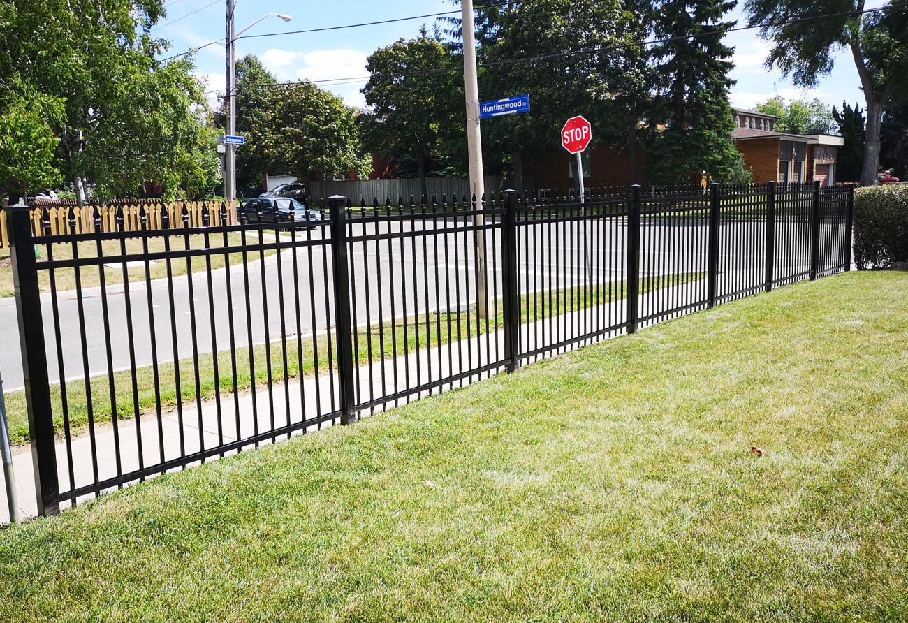 F2 fencing black 3x3 post in Scarborough