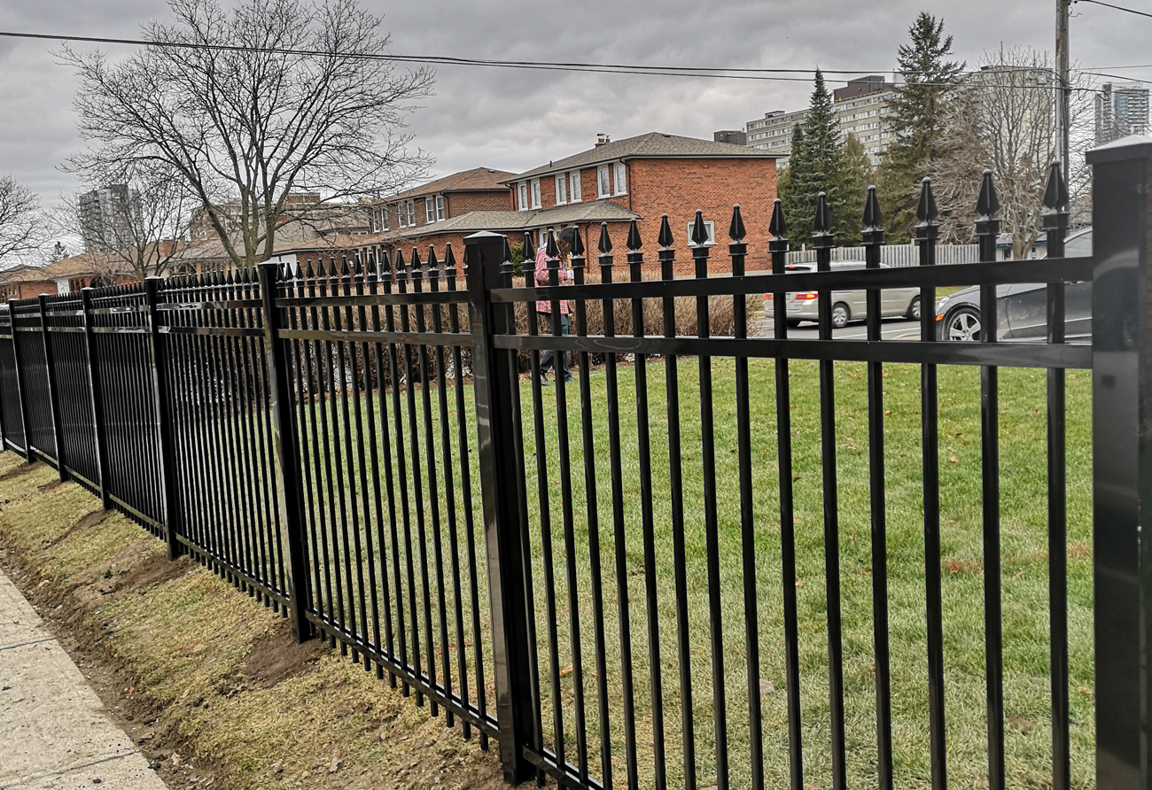 F2 fencing black 3×3 post
