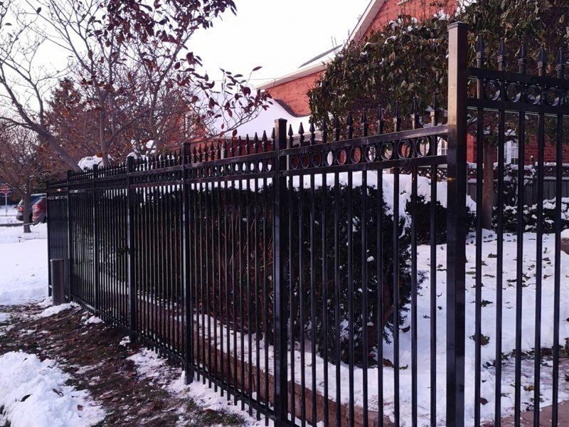 F4 fence black 2x2 pos