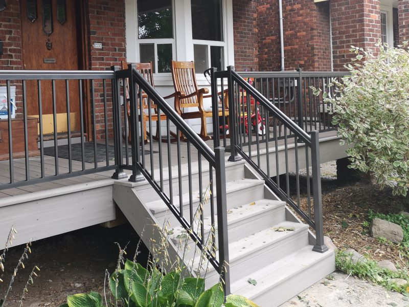 R1-Aluminum-Railing-Deck-Install-1