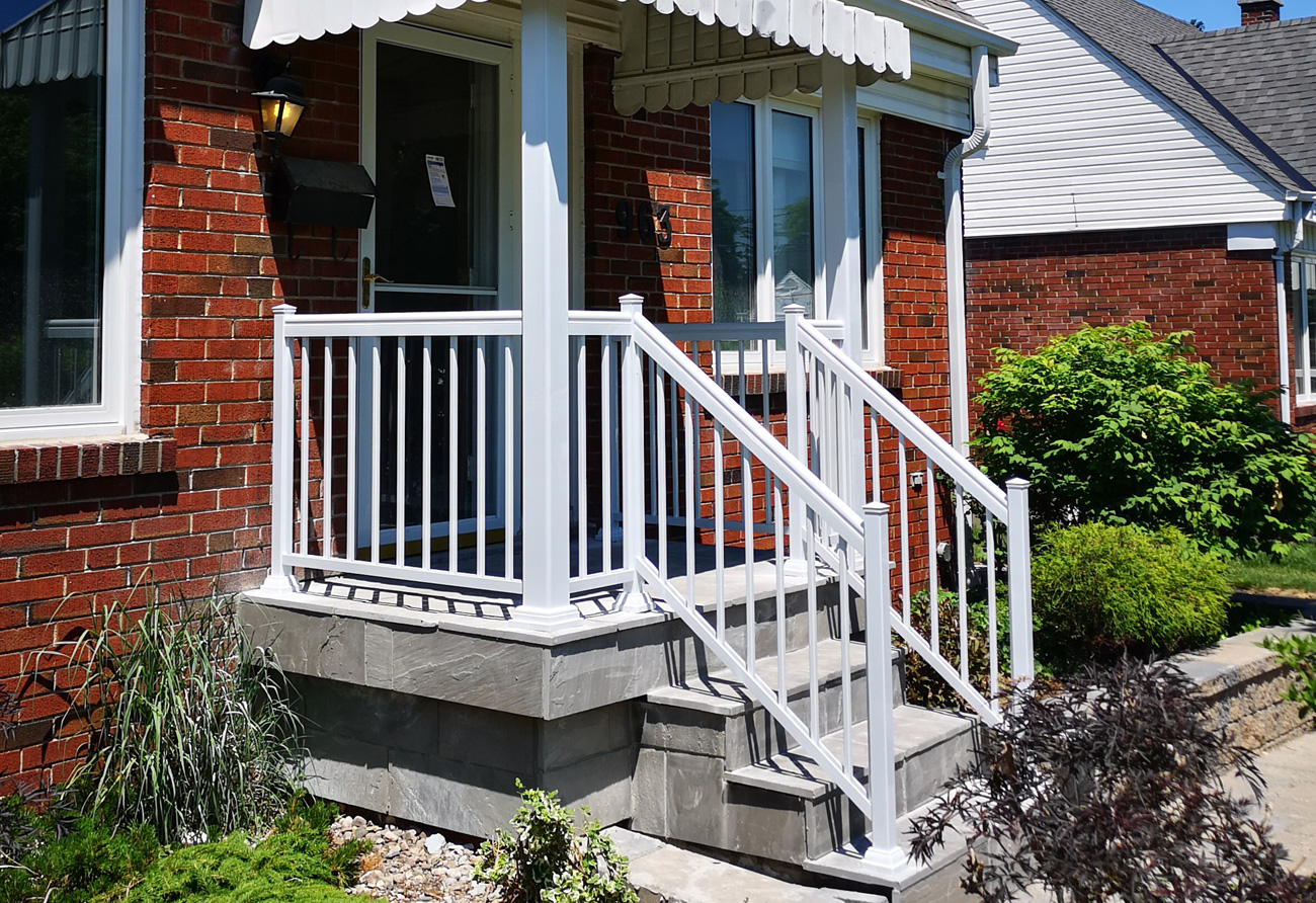R1 Railing Bungalow Front Entry