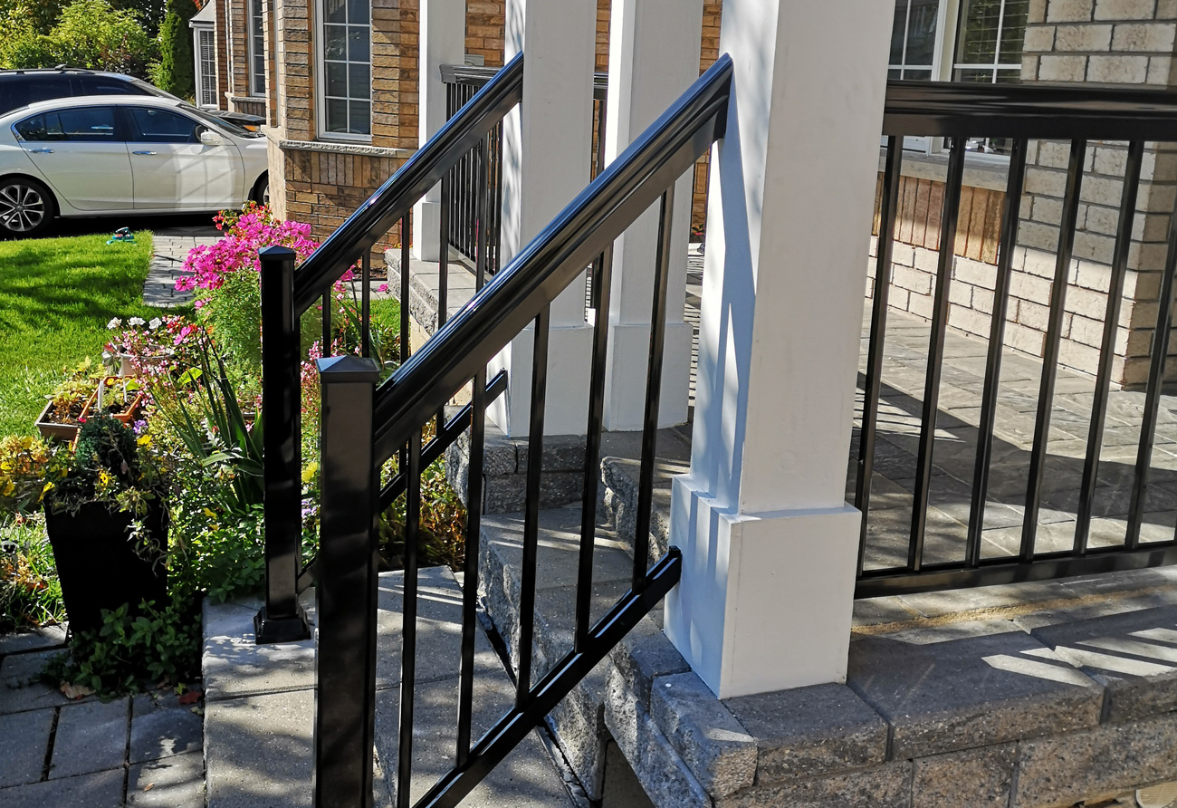 R1 Railing Front with Columns