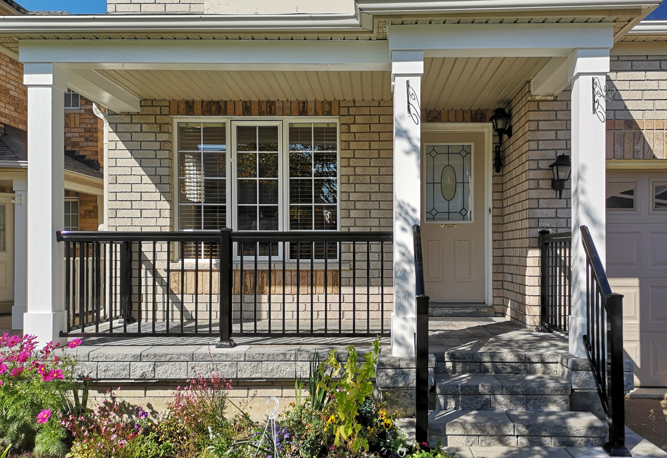 R1-Railing-Entry-with-Columns-4
