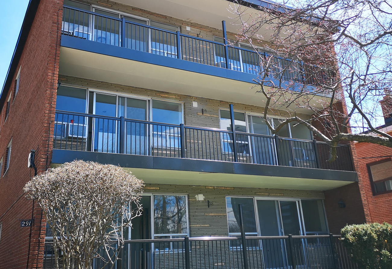 Apartment Building aluminum railings R1