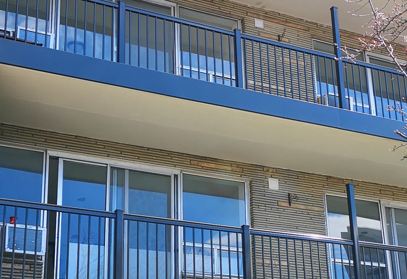 Apartment Building aluminum railings R1