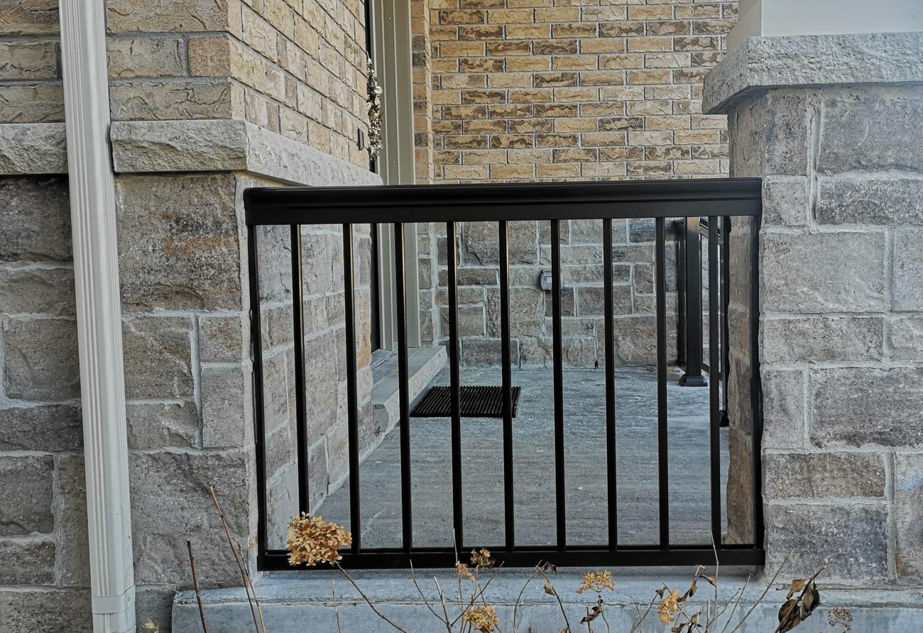 Front porch aluminum railings R1