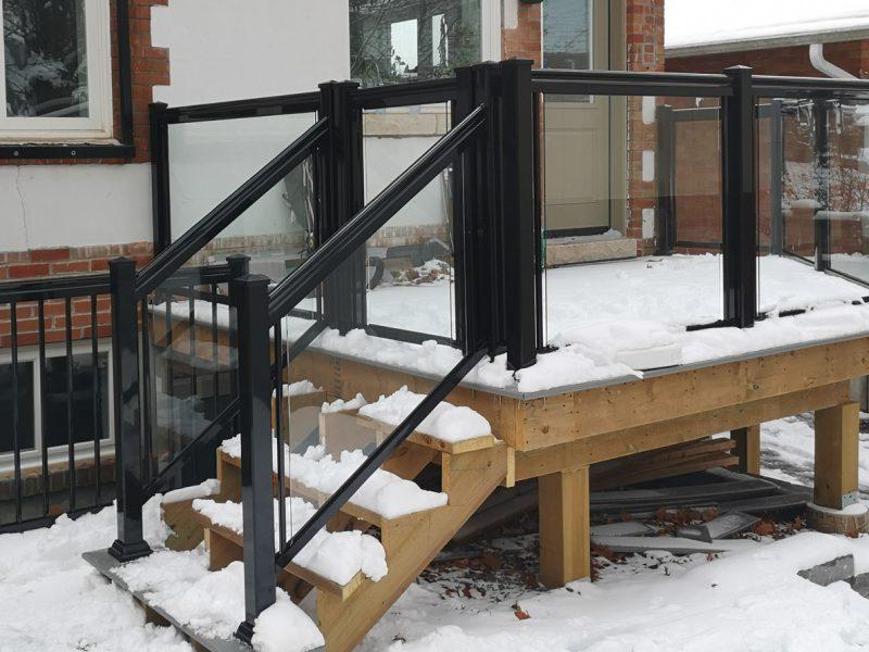 GR1 Glass Railing on Angled Deck