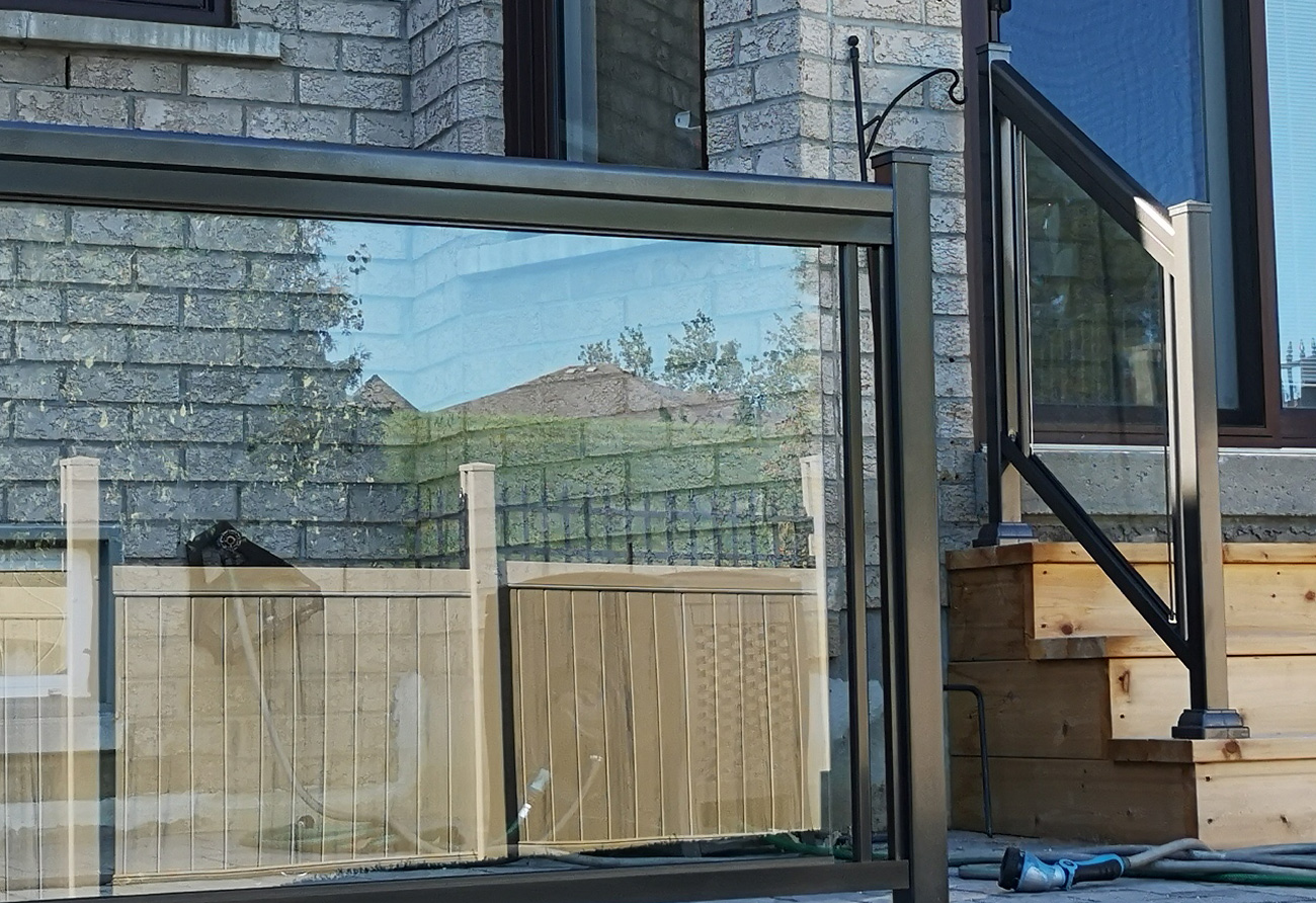 GR1 Glass Railing House Front and Back
